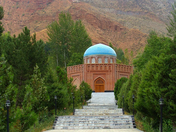 Rudaki_Tomb_in_Panjkent-after_restored